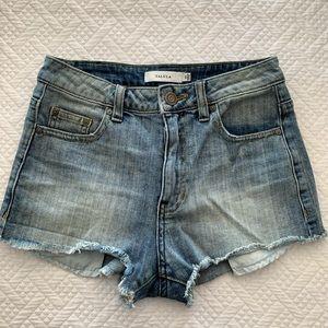 Aritzia/Talula denim shorts